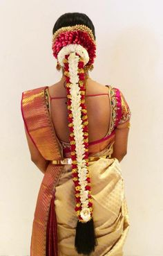 Hairstyle by Swank Studio… Bridal Hairstyle Indian Wedding, South Indian Bride Hairstyle, Bridal Hair Buns, Bridal Braids, Bridal Hairdo, Indian Wedding Hairstyles, Indian Bridal Makeup, Ethnic Hairstyles, Bride Hairstyles