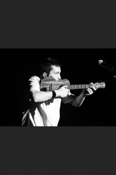 Tyler Joseph. One of the best uke players!