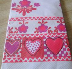 NIP - VIntage Valentine's Day  Paper Tablecloth by Party Maid