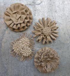BURLAP BEAUTY MAGNETS                                                                                                                                                                                 Más Burlap Fabric, Burlap Lace, Burlap Flowers, Burlap Bows, Diy Flowers, Burlap Wreath, Fabric Flowers, Fabric Crafts, Burlap Crafts