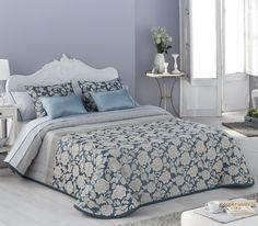 Colcha bouti Versalles, posibilidad de doble relleno.  Varios colores para que elijas. Bedding Sets, Comforters, Blanket, Furniture, Relleno, Home Decor, Chic Bedding, Summer Quilts, Bed Sets