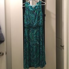 Dress barn midi dress blue green sz 12 Dress Barn fit and flare sundress with blue and green floral dot design. SIZE 12. Hits mid calf. In perfect condition. Worn and washed once! Bundle to save 20% Dress Barn Dresses Midi