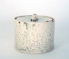 Portfolio - bianka groves ceramics - A Interior Design Ceramic Boxes, Ceramic Jars, Ceramic Clay, Ceramic Pottery, Japanese Ceramics, Modern Ceramics, Contemporary Ceramics, Earthenware, Stoneware