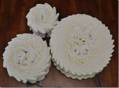 Diaper Cake Tutorial - Looks much nicer than banding each one