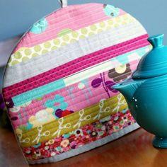 luvinthemommyhood: Retro Mama Teapot Cozy Pattern Giveaway!