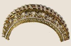 Antique Tiara, France (early 19th c.; seed pearls).