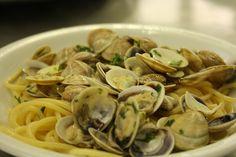 Spaghetti con le vongole, Hotel Nizza, Rimini IT, via Flickr.