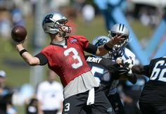 Carolina Panthers' Derek Anderson runs a play during morning practice at Carolina Panthers Training Camp at Wofford College in Spartanburg, SC on Wednesday, August Derek Anderson, August 12, Carolina Panthers, Super Bowl, Football Helmets, Motorcycle Jacket, Wednesday, Nfl, College