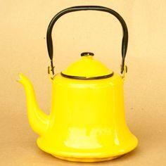 a yellow teapot = a happy girl