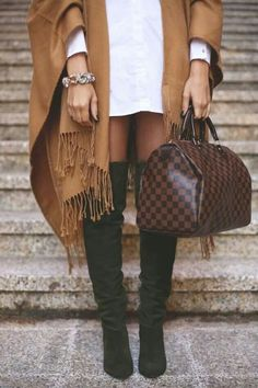 2018 LV Trends For Women Style New Louis Vuitton Handbags Collection For Friends Gifts Fashion 2017, Look Fashion, Fashion Outfits, Womens Fashion, Fashion Trends, Fashion Purses, Casual Outfits, Fashion Handbags, Fashion Details