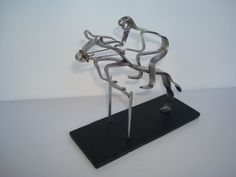 Salto a cavalo feito com garfos.  Visite o meu BLOG: saulrogerioartesanato.blogspot.pt