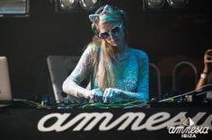 #DJ  #P  (@ParisHilton ) @amnesiaibiza! ! https://tickets.amnesia.es/parishilton_list/#sf-events ⚪ #FoamAndDiamonds ⚪ Every Sat. 07.18-09.12 #AmnesiaIbiza #Beauty #BigRoomHouse #Burningman #ComeAlive #Dance #EDM #Electronic #ElectronicDanceMusic #ElectroHouse #Fashion #FoamParty #GoodTime #HighOffMyLove #HOML #HouseMusic #Ibiza #Ibiza2015 #ItGirl #Life #Lifestyle #Love #Paris #PartyWithParis #Photography #ProgressiveHouse #Rave #RaveWear #Style #Trance #YMCMB