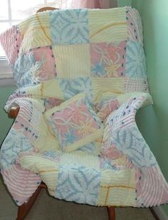 someday I would love to do a chenille rag quilt Quilt Baby, Rag Quilt, Quilt Blocks, Chenille Crafts, Chenille Bedspread, Chenille Blanket, Fabric Crafts, Quilting Projects, Quilting Designs