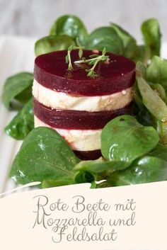 Beetroot with mozzarella on lamb's lettuce - small culinary Rote Beete mit Mozzarella an Feldsalat – Kleines Kuliversum Beetroot with mozzarella and lamb's lettuce caprese salad - Appetizers For Party, Appetizer Recipes, Salad Recipes, Simple Appetizers, Seafood Appetizers, Appetizer Salads, Cheese Appetizers, Salade Caprese, Cocina Light