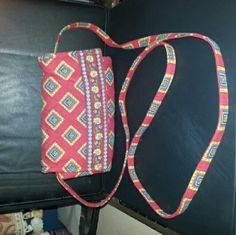 Vera Bradley Villa Red Small Crossbody Handbag Vera Bradley Villa Red Small Crossbody Handbag Retired Pattern 7/2005 Very nice handbag Like new Inside: 6 card slots, 3 large pocket and 1 id window Outside: Change zippered pocket If you have any questions or you need anymore pictures please let me know. Thanks for looking. Vera Bradley Bags Crossbody Bags