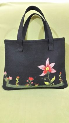 Keçe işlemeli çanta