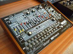 Roland_SH-32_Custom_1