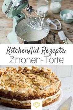 Alle Fans von Mandeln, Zitronen-Eis und -Limonade werden diesen Kuchen mit Sicherheit immer wieder backen. Die hübsche KitchenAid gibt's hier: www.springlane.de/kitchenaid-shop/