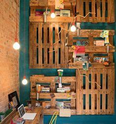 idee bricolage fabriquer etagere en palette meubles palettes planches en bois morceaux pas cher diy tuto recup décoration porte bouteille manteau bricolage facile newbie accrocher au mur