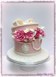 Hat Box Cake, Gift Box Cakes, Adult Birthday Cakes, Birthday Cakes For Women, Girly Cakes, Fancy Cakes, Gorgeous Cakes, Pretty Cakes, Fondant Cakes