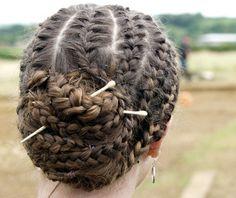 gorgeous Roman hair-do