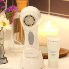 Your Ultimate Clarisonic Guide: should you remove your makeup first? How do you clean it? Plus a neat brush trick! Also -- win a free brush from us!