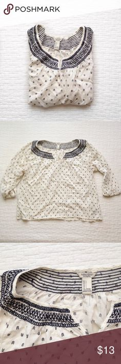 F21 Top♡ Cute forever 21 airy 3/4 sleeve top. With intricate detailing on neckline and cute arrow pattern. This is a true Large that runs a little on the shorter side. Could pass as a L crop top maybe? :) perfect for the warmer weather♡ Forever 21 Tops