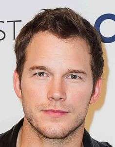 Observe his outstanding handsomeness. ~shudders~ | Chris Pratt Has Turned Into A Human Mold Of Perfection