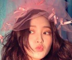 Seulgi, Kpop Girl Groups, Kpop Girls, Red Velvet イェリ, My Girl, Cool Girl, Red Valvet, Kim Yerim, Kpop Aesthetic