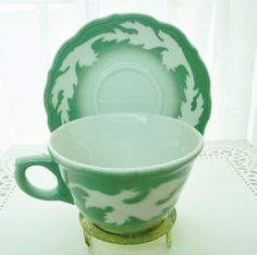 Vintage Syracuse China GREEN Oakleigh Cup & Saucer Restaurantware Vintage Tableware, Vintage Glassware, Dining Services, Syracuse China, Vintage Restaurant, Chocolate Pots, Lunch Boxes, Cream And Sugar, Vintage Coffee
