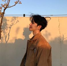 why haven't I posted a guy here yet? Korean Boys Ulzzang, Cute Korean Boys, Ulzzang Boy, Korean Men, Cute Asian Guys, Asian Boys, Asian Men, Cute Guys, Beautiful Boys