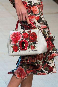 Dolce & Gabbana at Milan Fashion Week Spring 2017 - Details Runway Photos