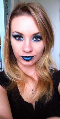 Make Up bleu électrique !!