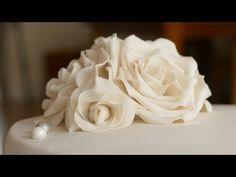 Rosen aus Blütenpaste | Gumpaste Rose Tutorial | Deko für Motivtorten/Hochzeitstorten - YouTube
