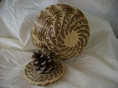 Pine-Needle Basket with Pinecone Lid , split wheat stitching by lea