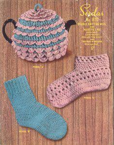 Vintage Crochet Pattern PDF 070 Tea cosy and Bed Socks
