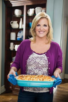 Trisha Yearwood in Food Networks Trishas Southern Kitchen