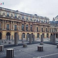 Daniel Bure's columns at Palais Royal, Paris 1e