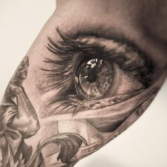 Amazingly realistic eye tattoo