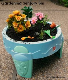 Gardening Sensory Bin – a fun activity for kids to explore and discover! Kids Outdoor Play, Outdoor Play Spaces, Outdoor Fun, Indoor Play, Outdoor Games, Build A Playhouse, Playhouse Outdoor, Simple Playhouse, Playhouse Kits