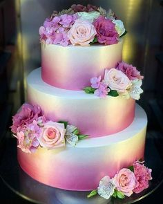 Wedding Cake Ideas Gorgeous 20 Beautiful Wedding Cake Ideas That Every Women Want - Nothing is more fun when planning your wedding then the cake tasting. Here are some wedding cake ideas and tips […] Creative Wedding Cakes, Beautiful Wedding Cakes, Gorgeous Cakes, Wedding Cake Designs, Pretty Cakes, Cute Cakes, Amazing Cakes, Wedding Cake Pink, Wedding Cakes With Cupcakes