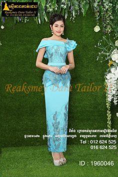 Cambodia dress Myanmar Dress Design, Dinner Wear, Thai Fashion, Khmer Wedding, Western Dresses, Traditional Dresses, Green Dress, Dame, Designer Dresses