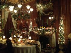 The Dining Room is ready for the finest Christmas dinner. Decorations by Dodge the Florist, Portland.