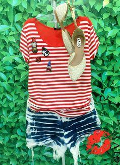 Boa Tarde Divas!!  Mais um look fashion para arrasar no Verão, blusa listrada com patch e um shortinho jeans no tie - -dye super descolado!! Corre pra cá!! 💖A loja ta cheia de novidade!! 💖