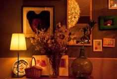 """Regentado por la maravillosa Sandra """"La Flor""""es uno de los mejores locales donde tomarse unas cañitas ó unos vinos entre lugareños."""