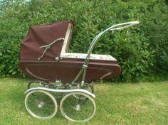 Pram Stroller, Baby Strollers, Silver Cross Prams, Vintage Pram, Prams And Pushchairs, Dolls Prams, Baby Prams, Baby Carriage, Antique Toys