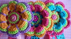 KnoopjesZ haken: Gehaakte broches en mijn Crochet Along 2014 deken tot nu toe...