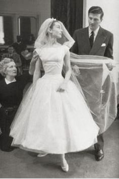 Audrey Hepburn photo - Audrey Hepburn - wedding gown: could frame this too!
