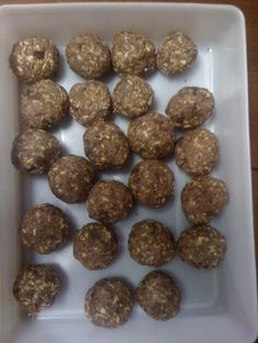 Power Protein Balls (Oatmeal, Protein, & Peanut Butter)