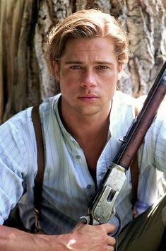Brad Pitt's luscious locks: The evolution of his beautiful mane ...